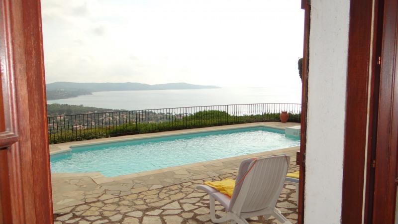 Location vacances appartement Cavalaire 900€ - Photo 6