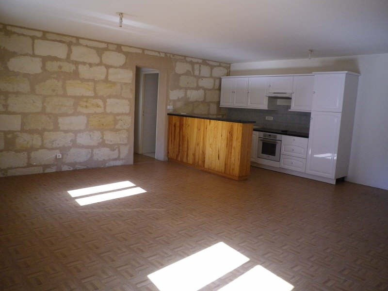 Rental apartment Blaye 532€ CC - Picture 1