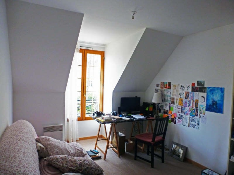 Location maison / villa Maurepas 1548€ CC - Photo 5