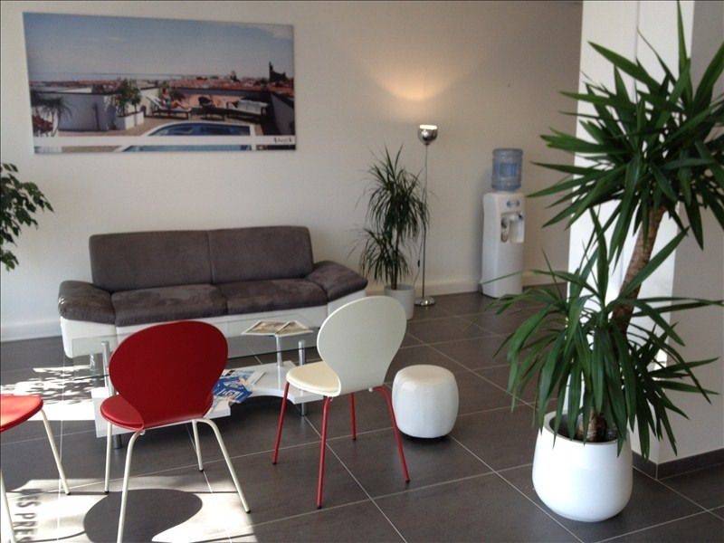 Location local commercial Royan 2 000€ HT/HC - Photo 4