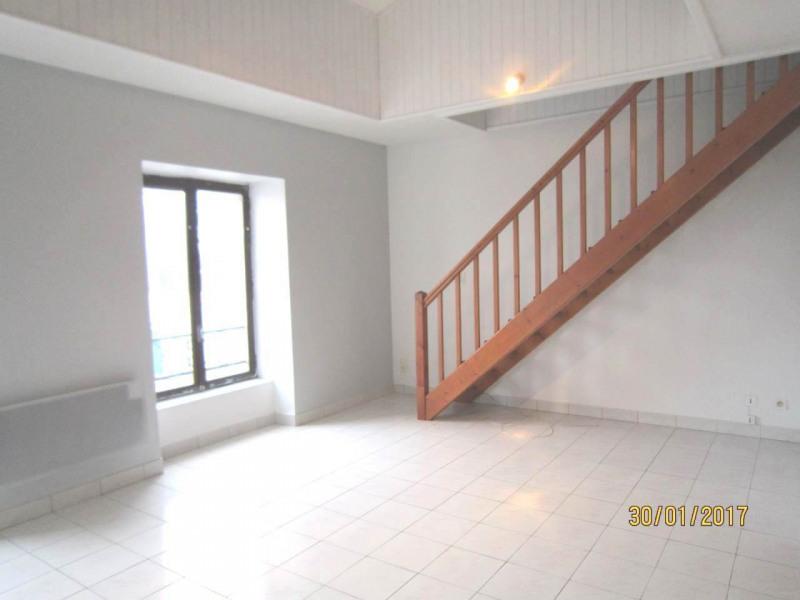 Rental apartment Châteaubernard 342€ CC - Picture 1