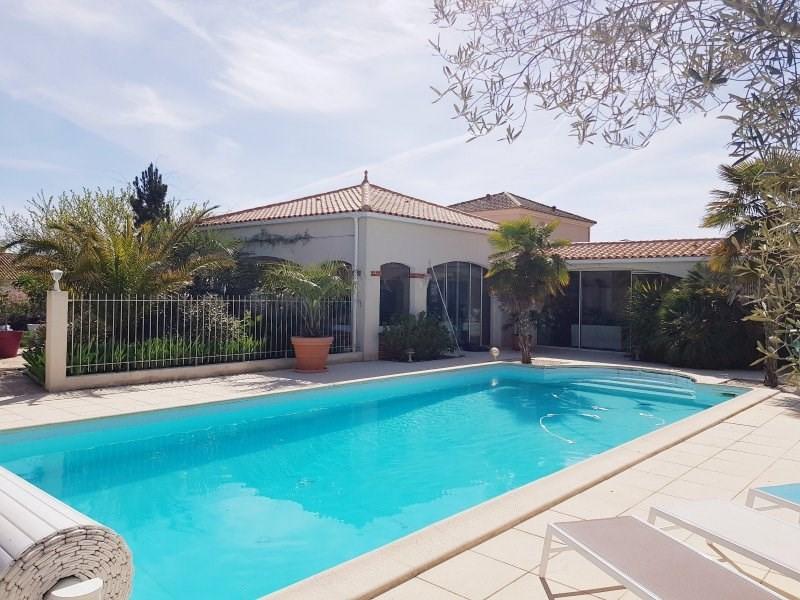 Deluxe sale house / villa Chateau d olonne 852000€ - Picture 2