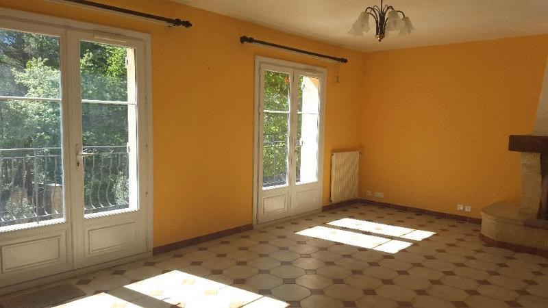 Location appartement Trets 1 149€ CC - Photo 4