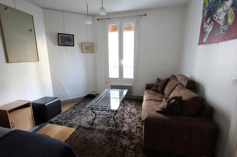 Rental apartment Paris 9ème 1150€ CC - Picture 1