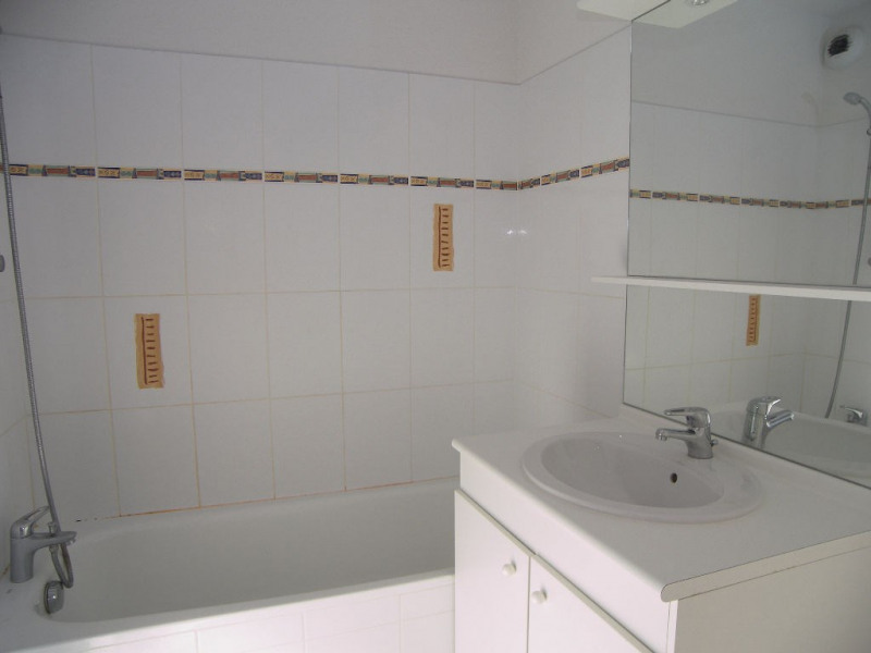 Location appartement Estillac 431€ CC - Photo 4