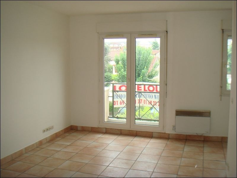 Rental apartment Viry chatillon 553€ CC - Picture 2