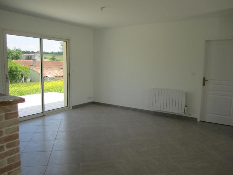 Rental house / villa Condéon 680€ CC - Picture 3
