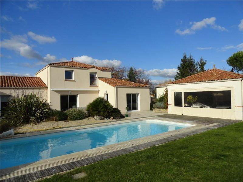 Sale house / villa Clisson 535900€ - Picture 1