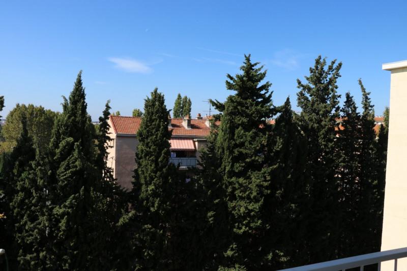 Location appartement Aix-en-provence 1180€ CC - Photo 8