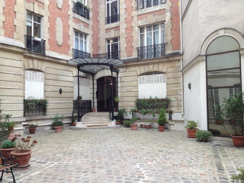 Rental apartment Paris 8ème 3565€ CC - Picture 7
