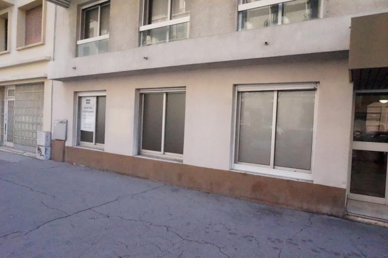 Rental office Marseille 4ème 840€ CC - Picture 1