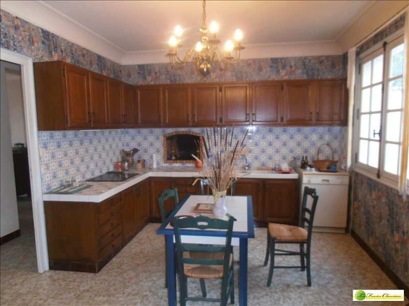 Sale house / villa Angouleme 275600€ - Picture 3