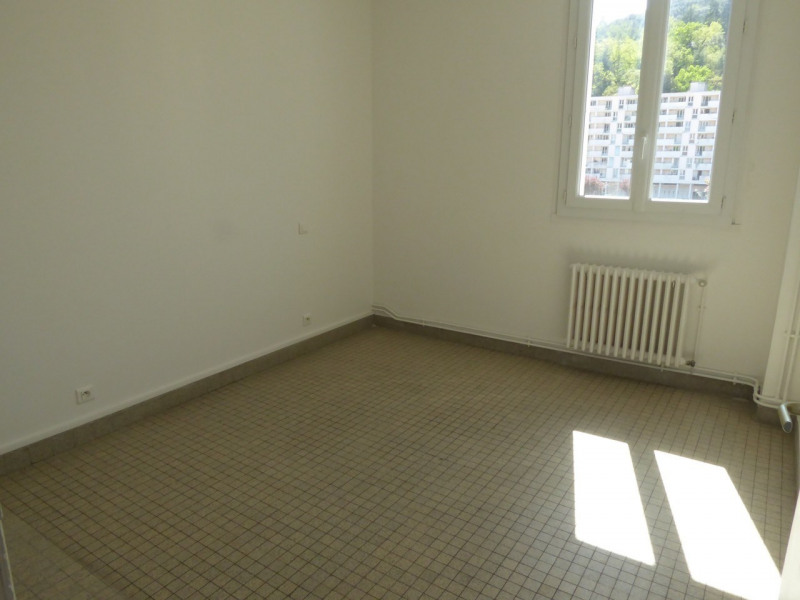 Location appartement Vals-les-bains 506€ CC - Photo 4