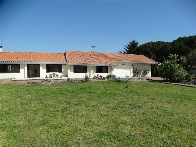 Sale house / villa Arsac 319200€ - Picture 1