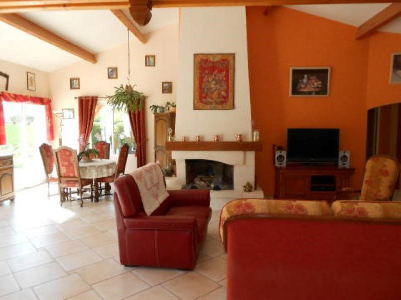 Sale house / villa Chize 285 000€ - Picture 2