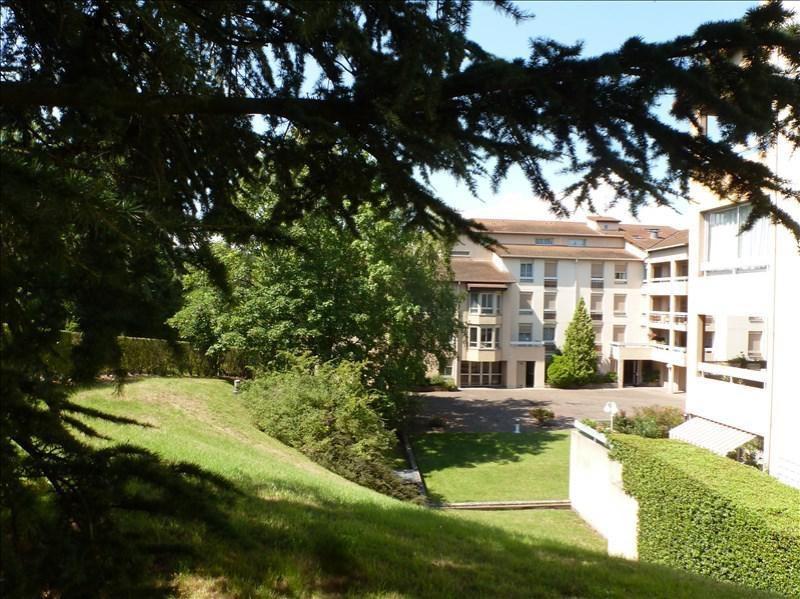 Sale apartment Charbonnieres les bains 240000€ - Picture 1