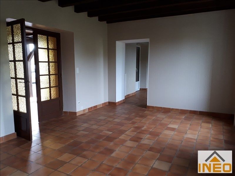 Location maison / villa Melesse 800€ CC - Photo 4
