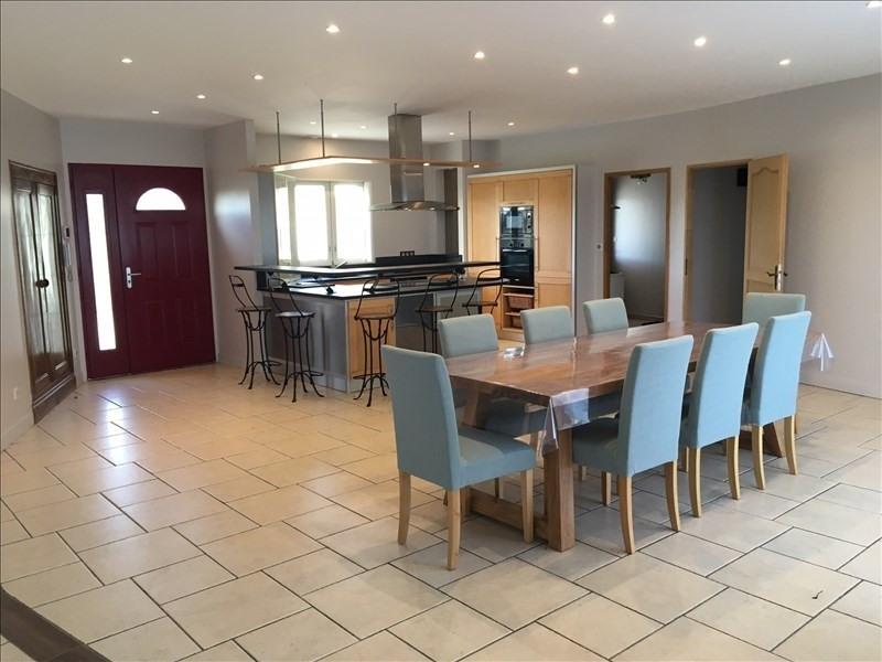 Sale house / villa 10 min ouest cognac 299600€ - Picture 2