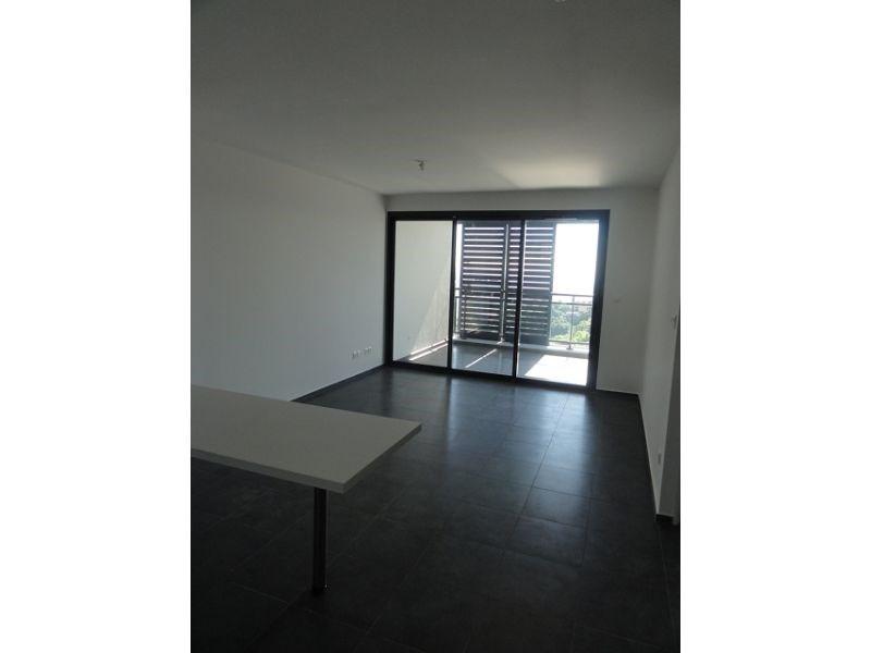 Location appartement St denis 579€ CC - Photo 1