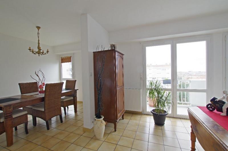 Sale apartment Cholet 98990€ - Picture 2
