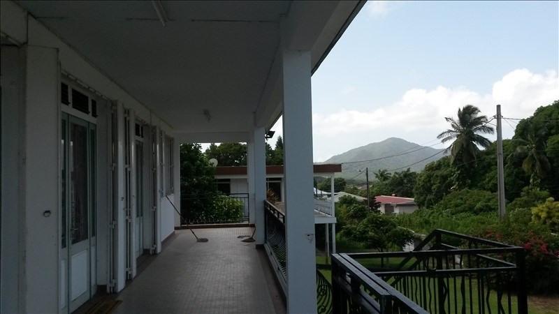 Sale house / villa St claude 280000€ - Picture 5