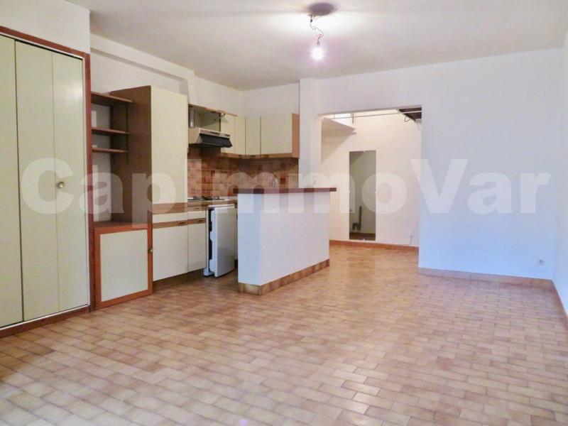 Rental apartment Le beausset 500€ CC - Picture 3