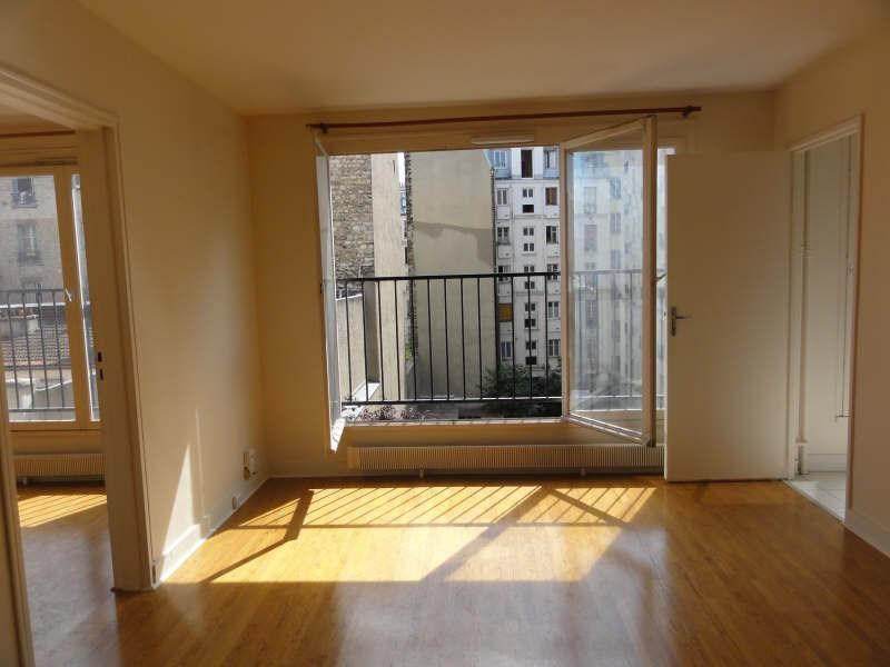Location appartement Paris 18ème 956€ CC - Photo 1