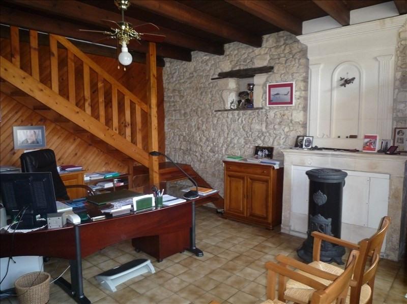 Sale house / villa Champdolent 212000€ - Picture 6