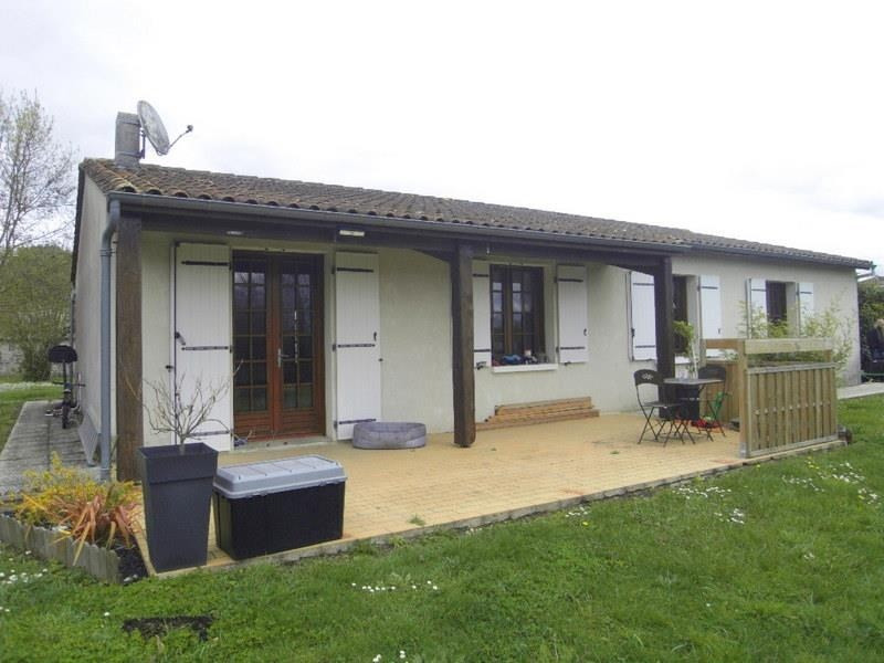 Rental house / villa Jarnac 705€ CC - Picture 1