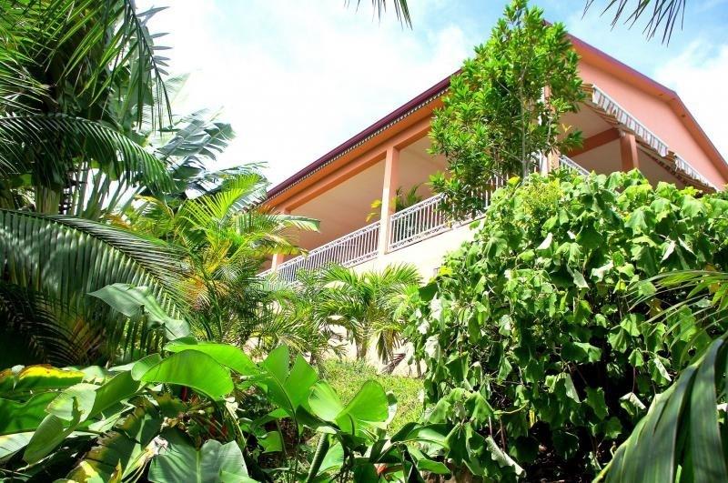 Deluxe sale house / villa Bellemene 593000€ - Picture 3