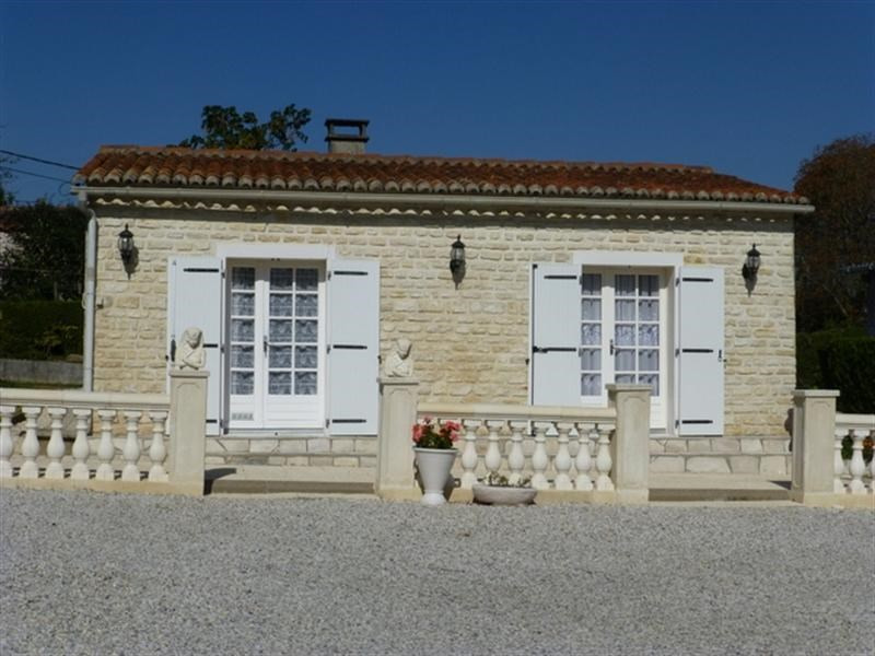 Sale house / villa Aulnay 69900€ - Picture 1