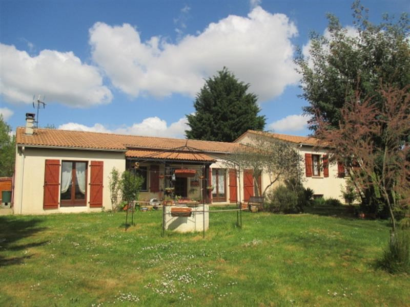 Sale house / villa Annepont 239 500€ - Picture 1