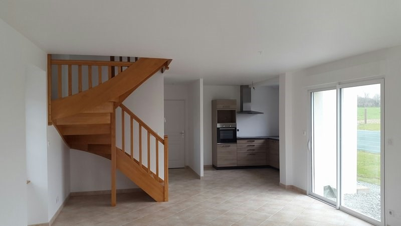 Locação casa Montsurvent 650€ CC - Fotografia 3