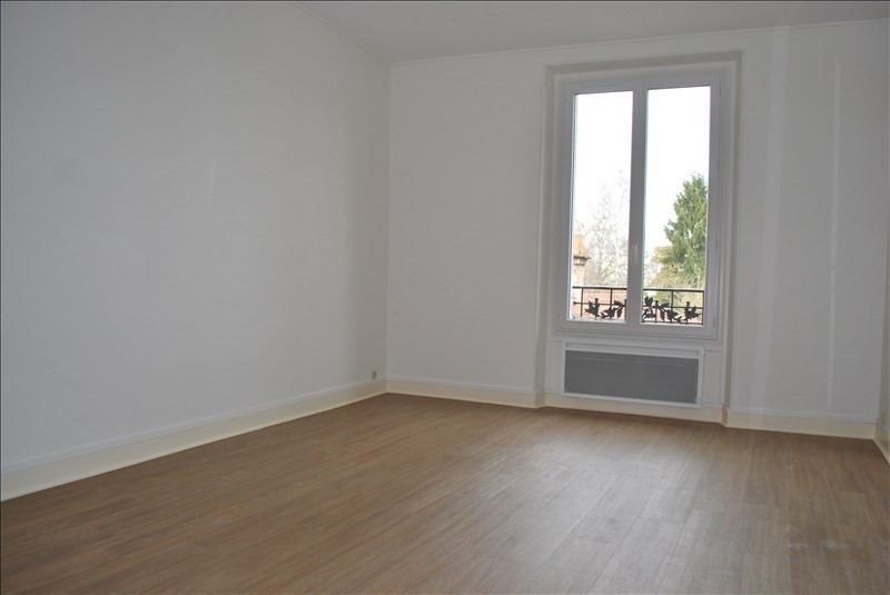 Rental apartment Rambouillet 890€ CC - Picture 1