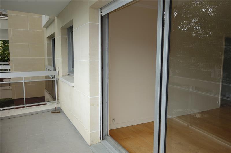 Sale apartment Versailles 309750€ - Picture 2