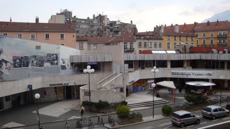 Location appartement Grenoble 1 050€ CC - Photo 1