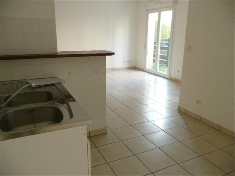 Rental apartment Aubigny sur nere 594€ CC - Picture 2
