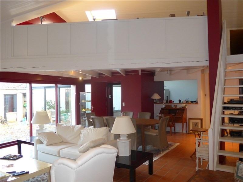 Sale house / villa La roche sur yon 368000€ - Picture 1