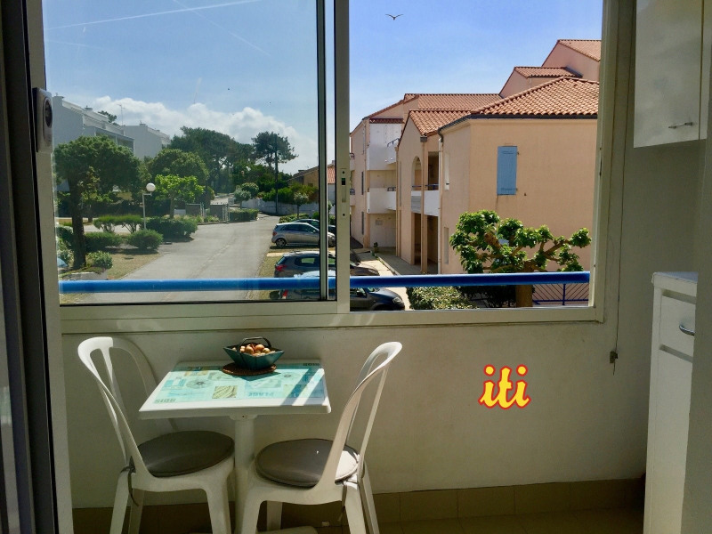 Sale apartment Chateau d olonne 81 000€ - Picture 1