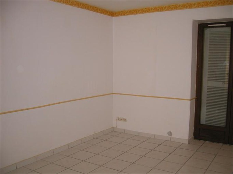 Location appartement Brie comte robert 460€ CC - Photo 3