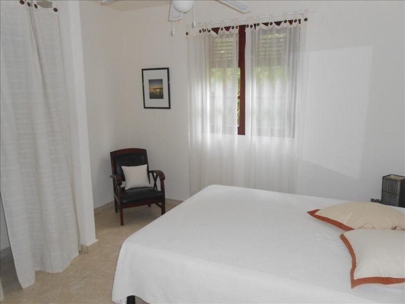 Sale house / villa St claude 365000€ - Picture 7