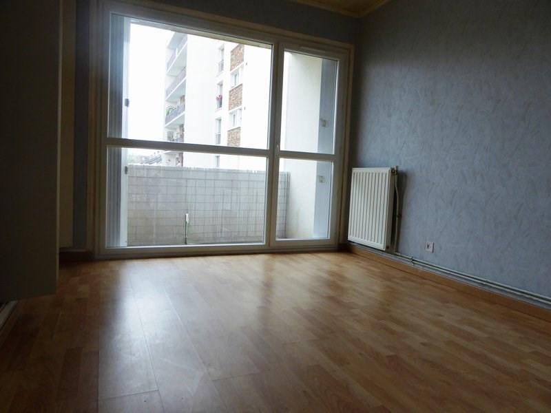 Rental apartment Maurepas 720€ CC - Picture 3