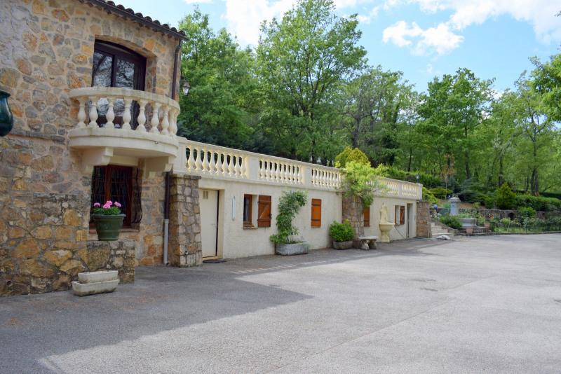 Revenda residencial de prestígio casa Fayence 695000€ - Fotografia 2