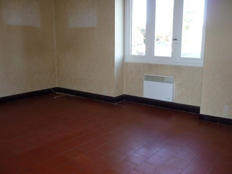Location appartement Saint-étienne-de-fontbellon 497€ CC - Photo 3