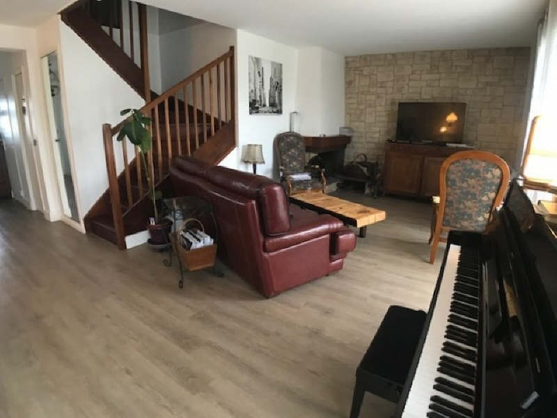 Sale house / villa Lesigny 384000€ - Picture 3