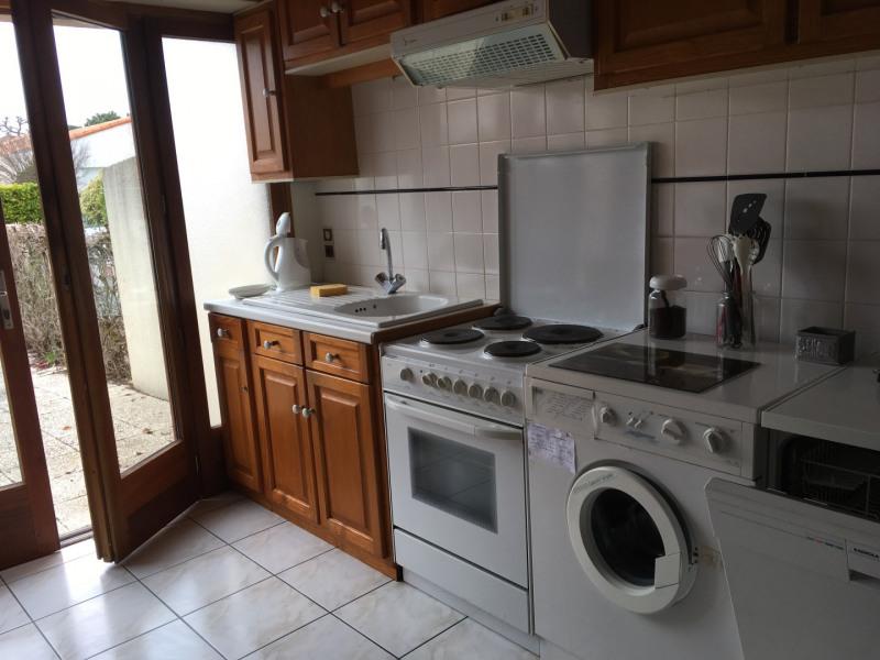 Vacation rental house / villa Vaux sur mer 647€ - Picture 4