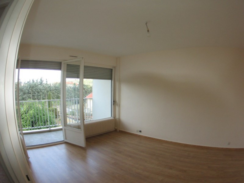 Rental apartment Oullins 499€ CC - Picture 2