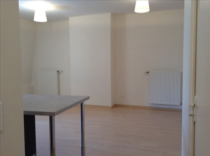 Location appartement St quentin 730€ CC - Photo 2