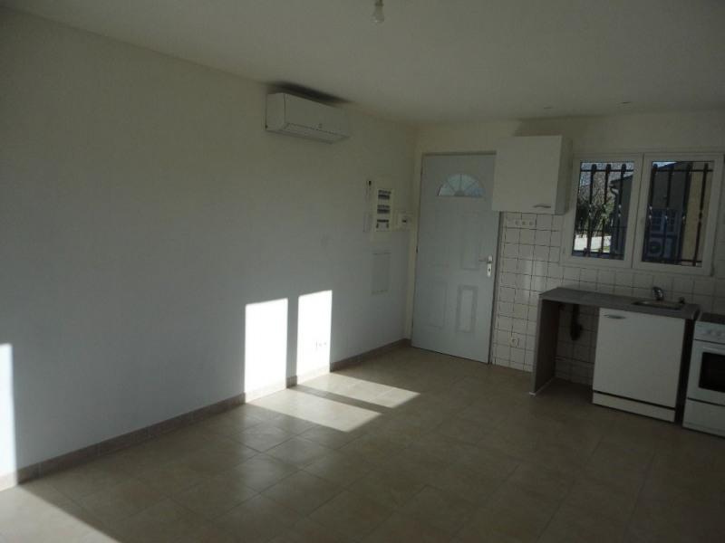 Rental apartment Entraigues sur la sorgues 460€ CC - Picture 8
