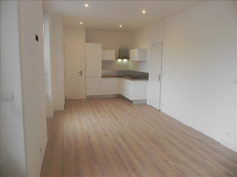 Rental apartment Perros guirec 320€ CC - Picture 1